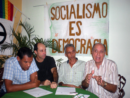 De izquierda a derecha: Mario Castillo, Hibert García, Ramón Guerra, y Ovidio D'Angelo