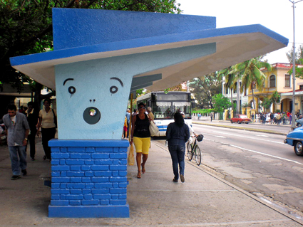 Parada de Línea y Paseo, Vedado habanero, 2012. Foto Isbel Díaz Torres