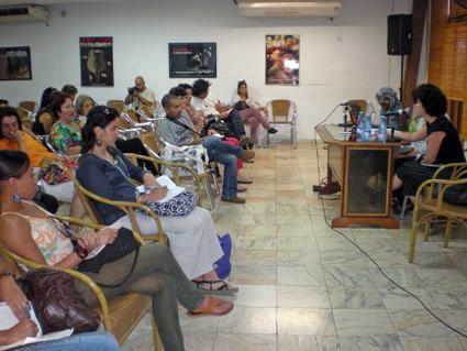 Mirar desde la sospecha. UNEAC. Panel: Milena Recio, Sandra Álvarez, y Yasmín Portales Machado. Foto: Isbel Díaz Torres